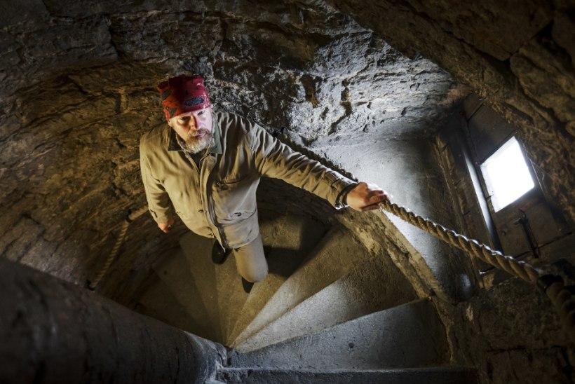 JUMALIK SEKKUMINE: tornimeister kukkus kirikutornist ja leidis maausu