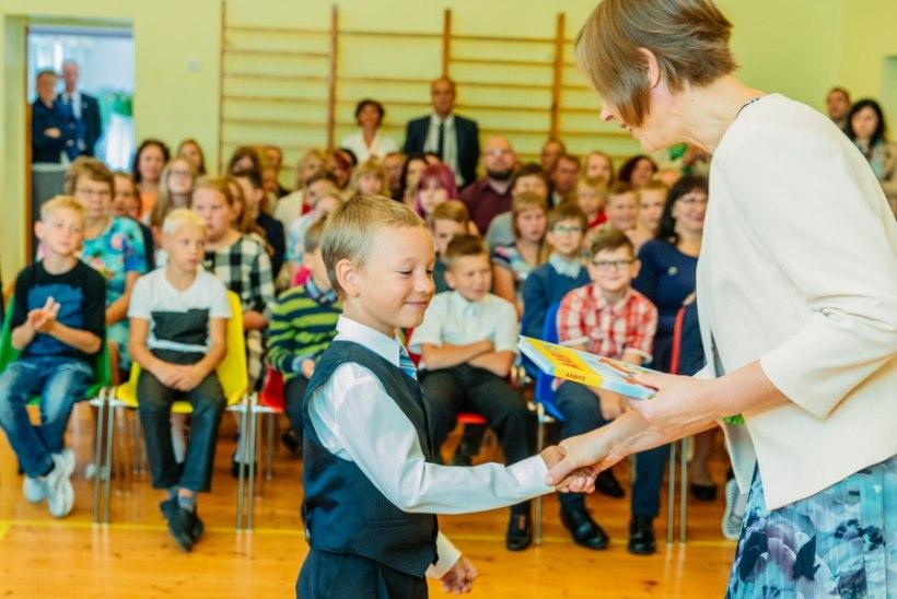 """Kersti Kaljulaid: """"Soovin jõudu alanud kooliaastaks kõigile."""""""