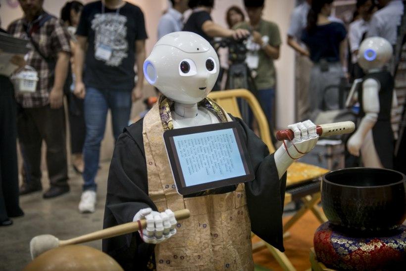 Robotid peavad matusekõnet ja ennustavad moesuundi