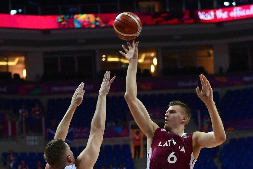 KAHJU! NBA tähe Porzingisega tugevdatud Läti vandus Serbiale alla