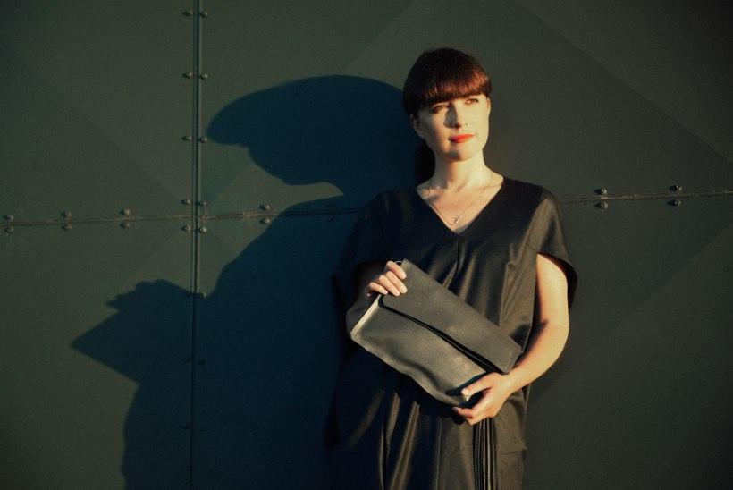 FOTOD | Aksessuaaridisaineri Kadri Kruusi uue kollektsiooni esindusnäoks on tuntud kodumaine lauljanna