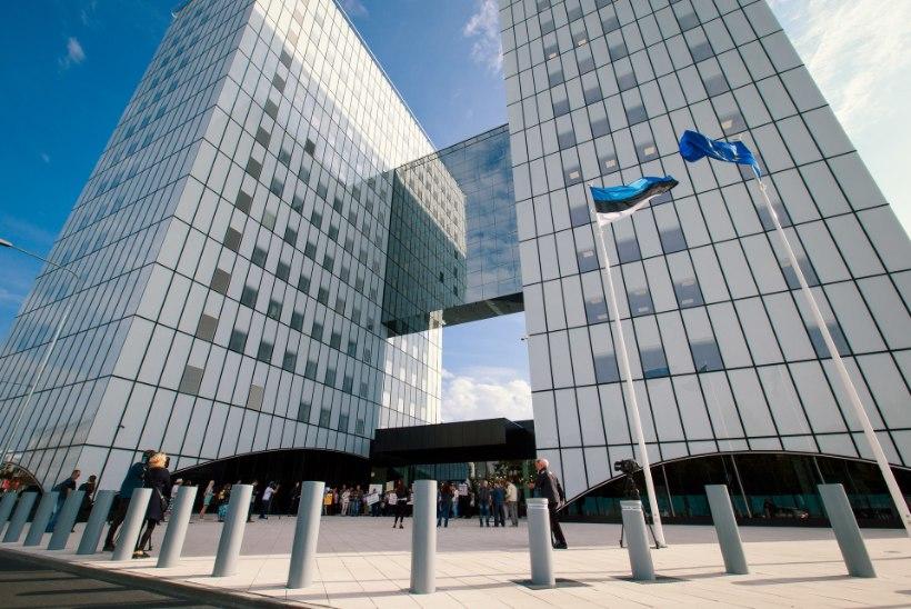 Kas riigiasutused peaks ikka üle Eesti laiali puistama, maksku see mis maksab?