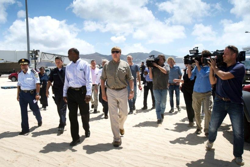PILTUUDIS | Madalmaade kuningas külastas St. Martinit, täna on saarele oodata ka Prantsusmaa presidenti