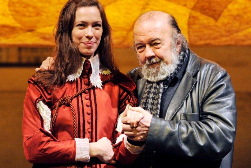 Suri Royal Shakespeare Company asutaja Peter Hall
