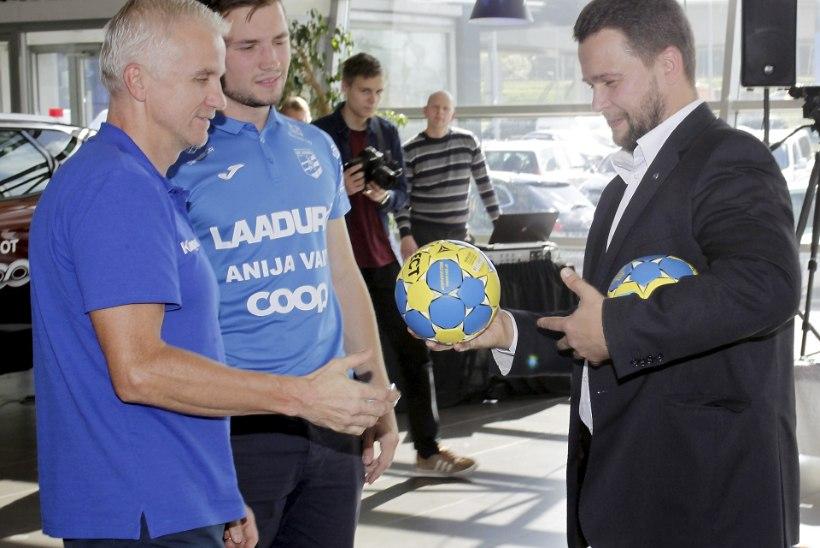 PILDID | Möödunud sajandi parimale naistreenerile Ebba Lõokesele anti üle Eesti käsipalliliidu aumärk