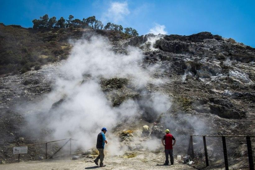 Itaalias sai surma vulkaanikraatrisse kukkunud perekond
