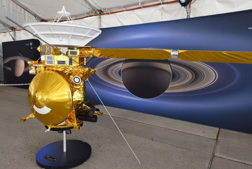 NASA kukutas uurimisjaama Cassini Saturnile
