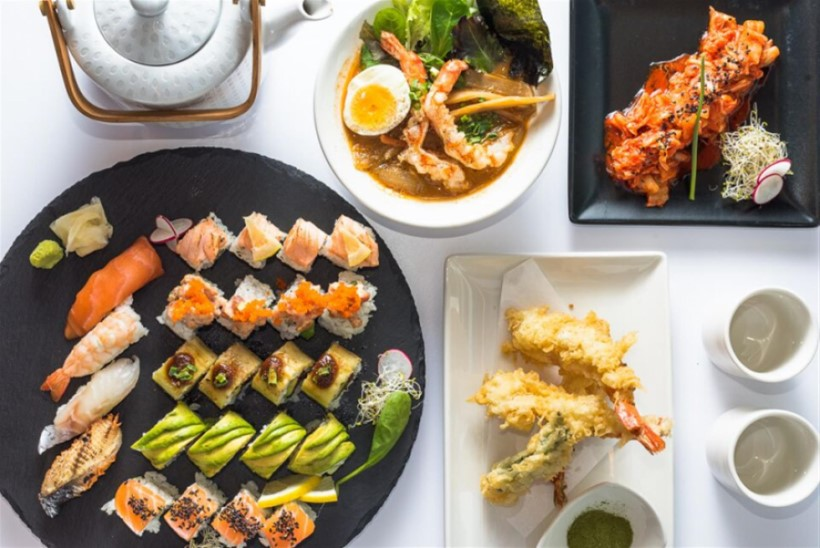 Julged maitsta? Mart Juur, Robert Kõrvits ja Karolin Kuusik võistlevad jaapani toidu valmistamises