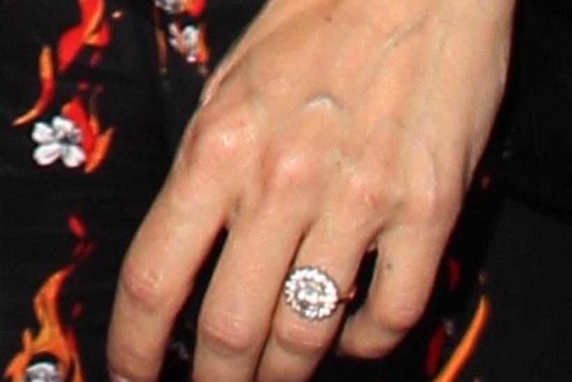 Sienna Miller on kihlunud?
