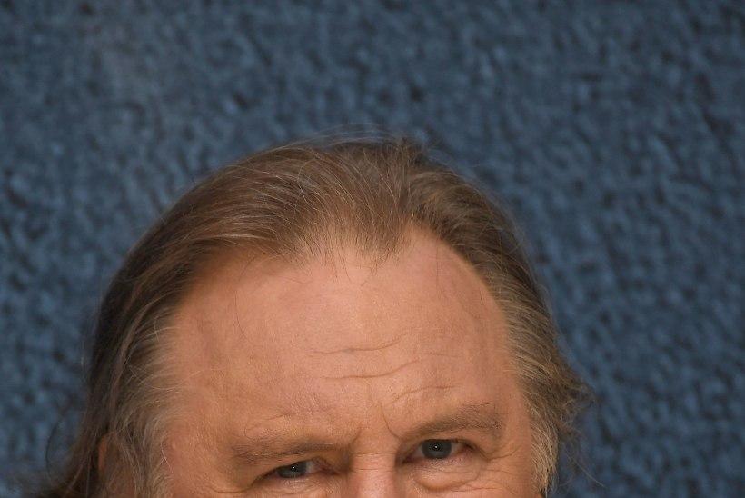 Depardieu' ema üritas rasedust kudumisvarrastega katkestada