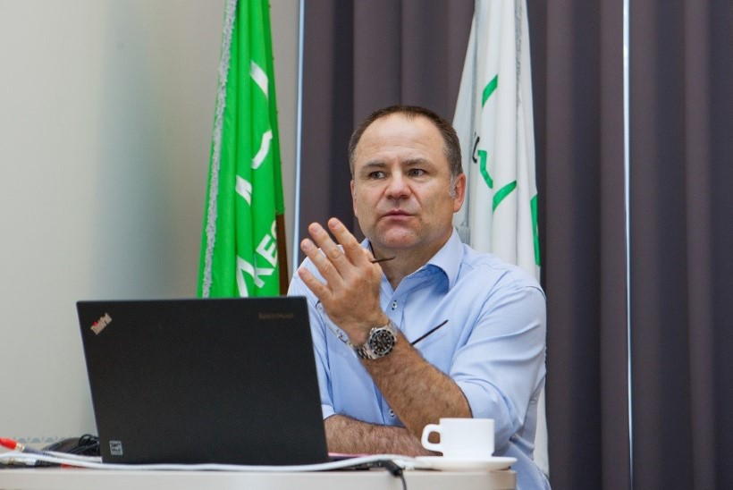Maailma tipptasemel uroloog käis Eestis tohtreid õpetamas
