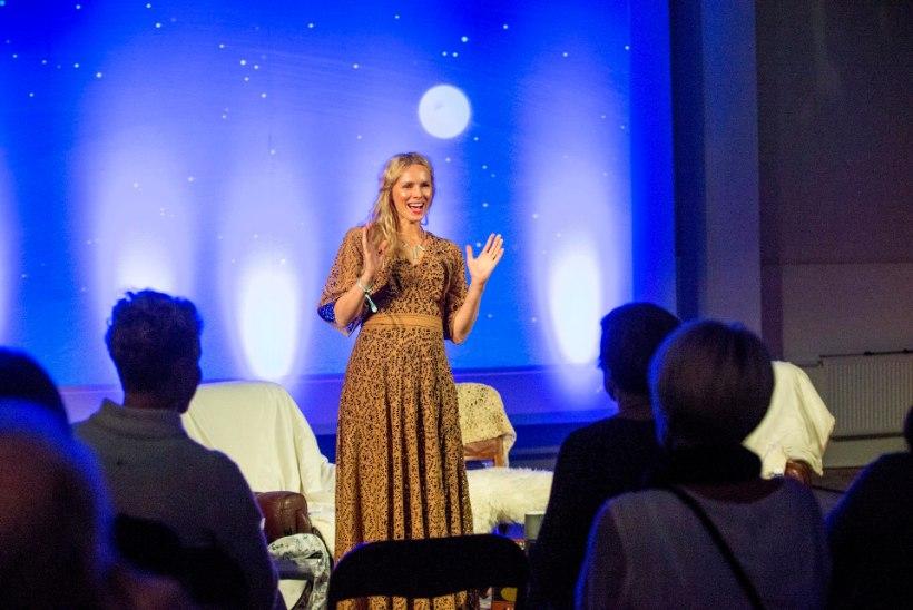 GALERII | Kristiina Ehin tegi uue ühiskonnakriitilise laulukese EKRE tšastuška