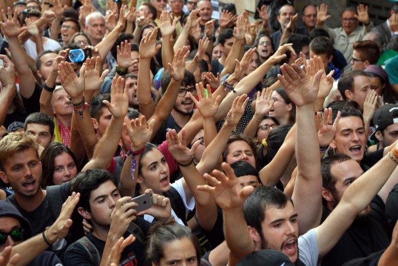 FOTOD | Hispaania astub samme Kataloonia iseseisvusreferendumi vastu