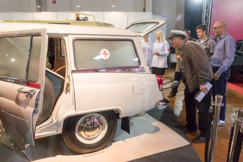 VIDEO JA GALERII | Klassikutest uudisautodeni: Tartus avati Motoshow
