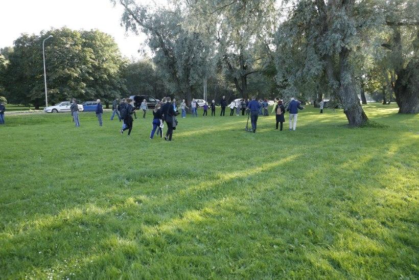GALERII | Reidi tee vastased kogunesid meeleavaldusele