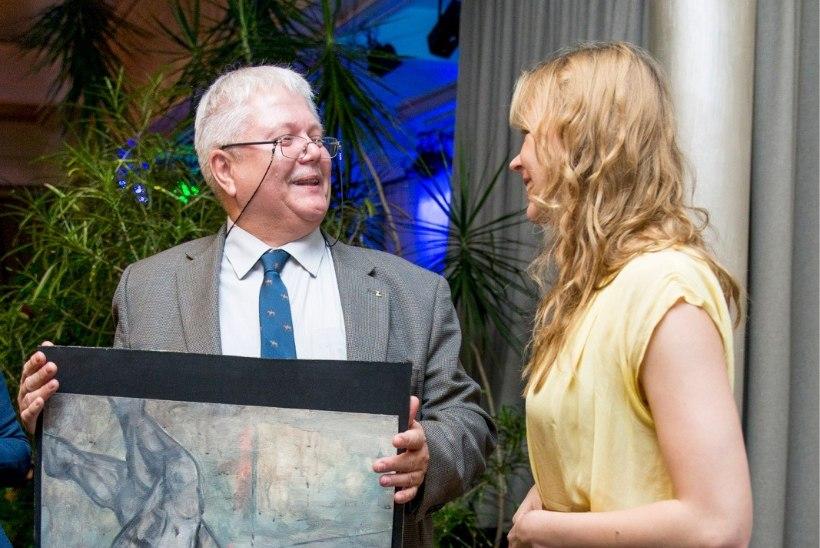 Näitleja Piret Kalda maalis heategevusoksjoni tarbeks Marie Underi akti