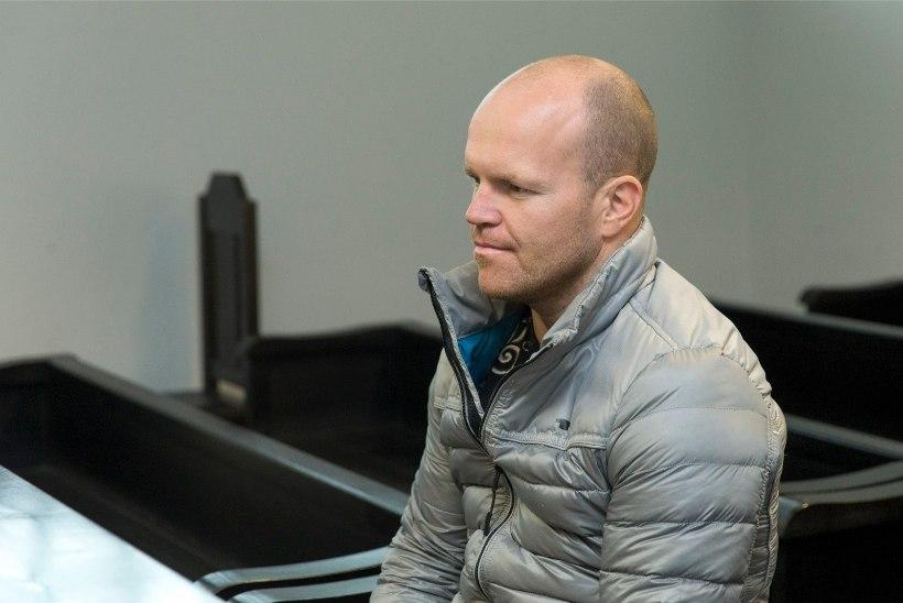 Ühe löögiga jalgpalluri koomasse saatnud vabamaadleja läheb kolmeks kuuks vangi