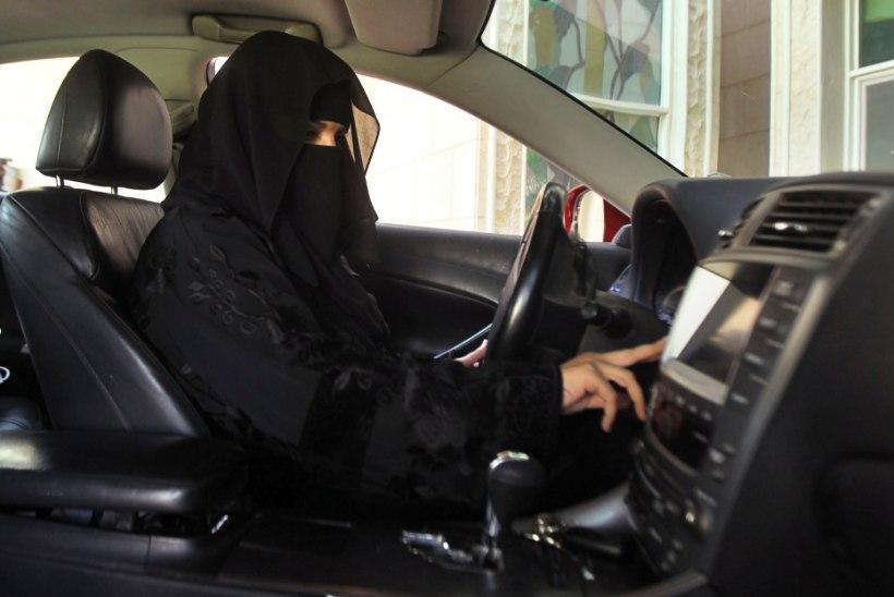 Saudi Araabias tohivad naised peagi autot juhtida
