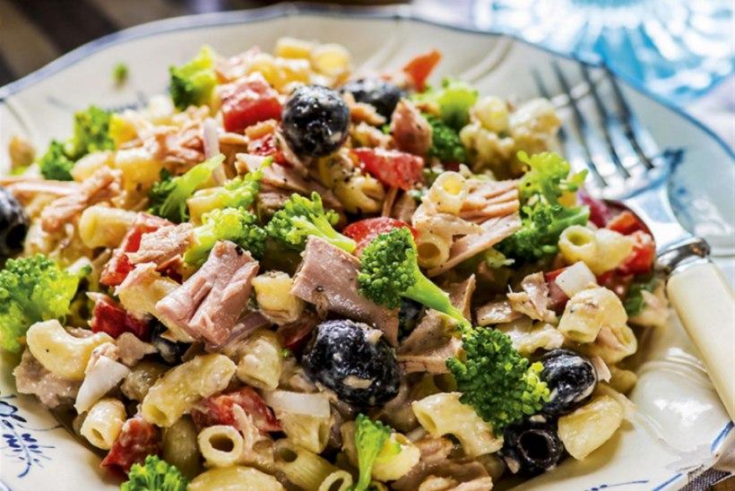 Pastasalat tuunikala, brokoli ja oliividega