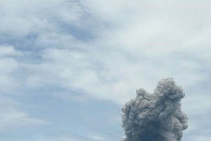 Indoneesias hakkas purskama Sinabungi vulkaan