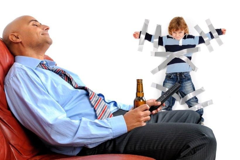 MEHELIKUD OSKUSED: 12 nõksu, mida iga isa on sunnitud valdama