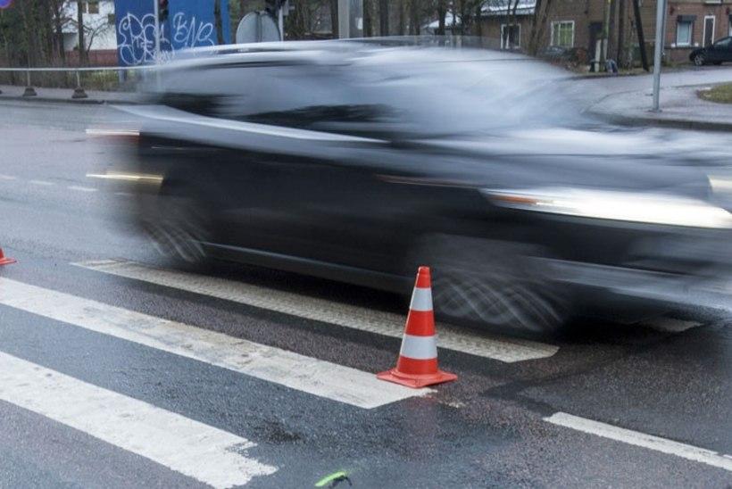 Tallinnas Pirital sai koolipoiss liiklusõnnetuses raskelt vigastada