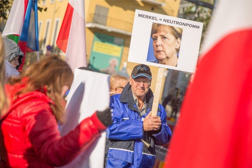 GALERII | NAGU VUTIMATŠIL: Kultuurikatla ees vilistati Merkeli peale ja nõuti Eesti päästmist
