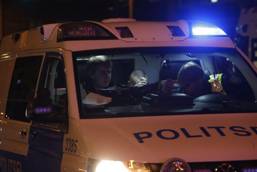 FOTOD | Tallinna kesklinnas jäi mees takso alla