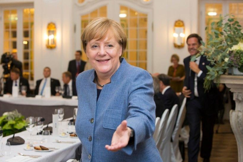 GALERII | Euroopa Liidu juhid kogunesid Kadrioru lossi pidulikule õhtusöögile