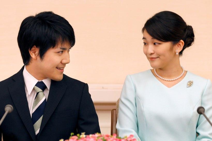 Jaapani printsess ohverdab armastuse nimel koha keiserlikus peres