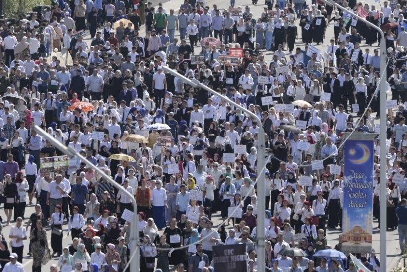 Tšetšeenia võimud väidavad, et 1,4 miljonist elanikust tuli meeleavaldusele 1,1 miljonit