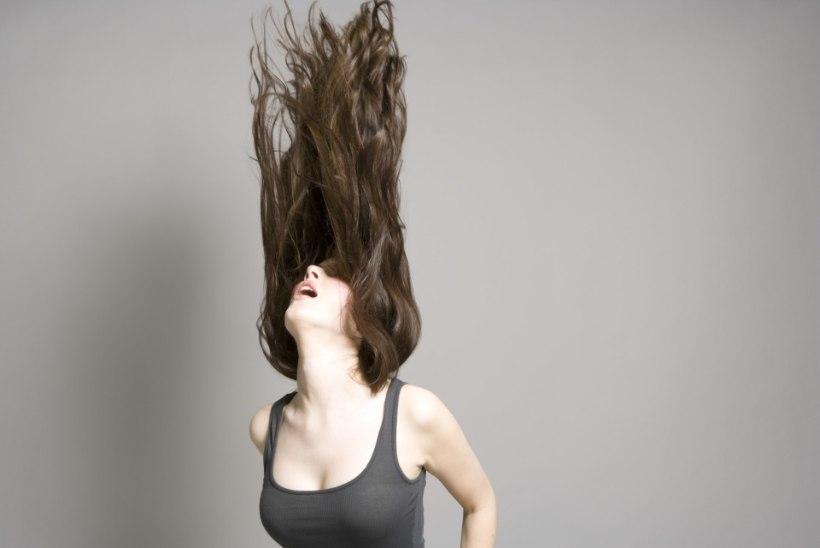 PIDULIK JA LIHTNE: imelihtne krunn sinu pikkadesse juustesse
