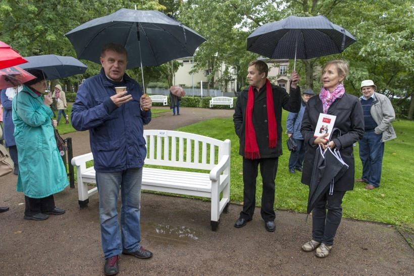 GALERII | Kadrioru esimesele Kirjandustänavale kogunesid Kivirähk, Hargla ja teised staarid