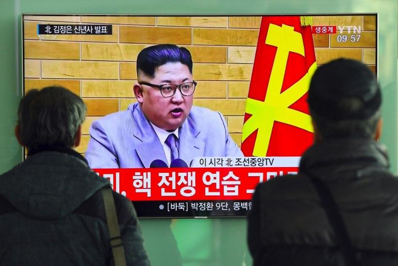 Kim Jong-un: tuumanupp on alati minu kabinetilaual