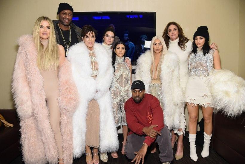 Pere sundis Khloé Kardashiani alla võtma, et ta nende kaubamärki ei kahjustaks