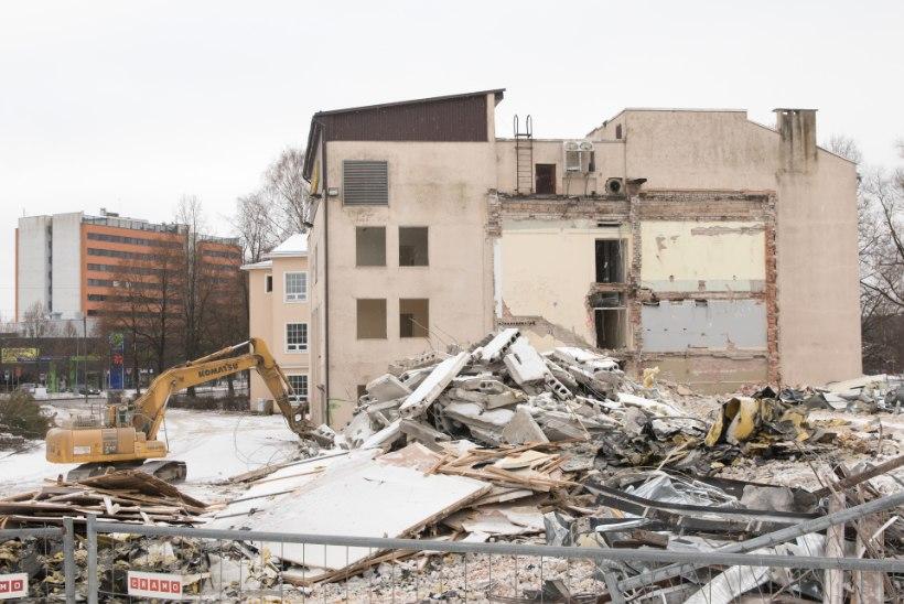 921faea32cc GALERII | Tartu Ülikooli majandusteaduskonna maja tehakse maatasa ...