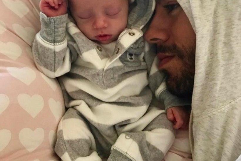 OH, KUI ARMAS! Kaksikute vanemateks saanud Enrique Iglesias ja Anna Kurnikova jagasid esmakordselt beebidest pilte