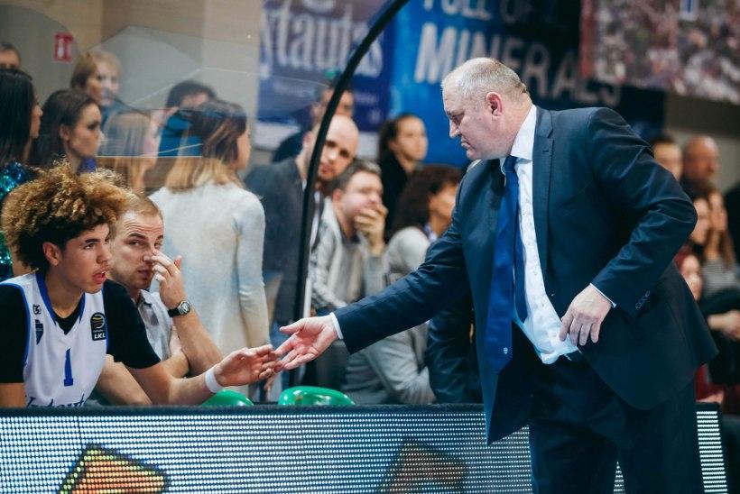 ÕL LEEDUS | Raplas skandaali korraldanud treener tunnistab, et isegi vendade Ballide näidismatšid on Eesti klubidega mängimisest etemad