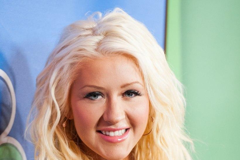 Christina Aguilera on ilmselgelt lasknud huuli suurendada