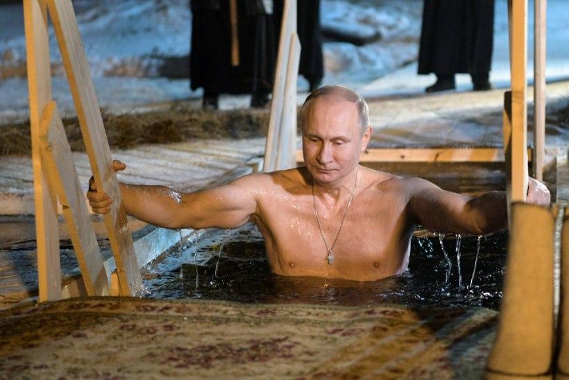 VIDEO JA FOTOD | Putin käis kolmekuningapäeva puhul jääaugus