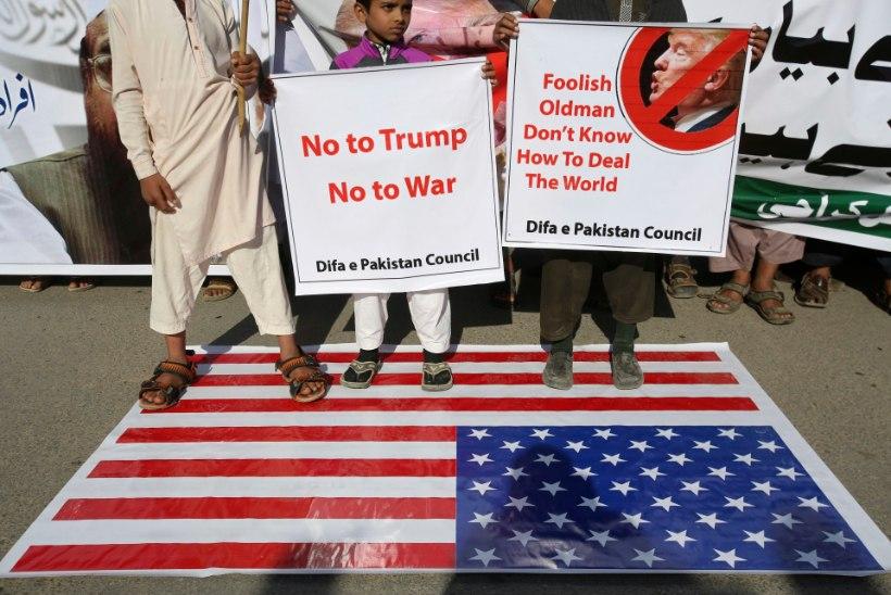 Pakistani valitsus pidas Trumpi säutsu pärast erakorralise koosoleku