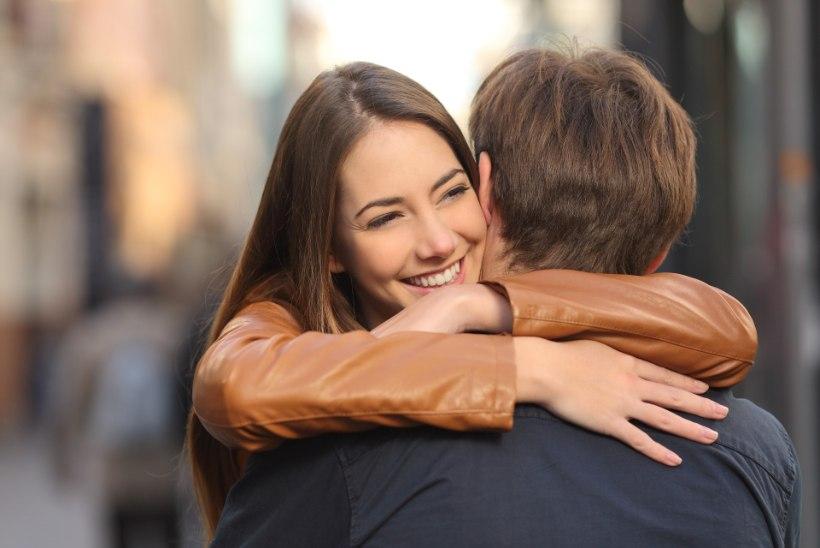 TÄNA ON RAHVUSVAHELINE KALLISTAMISPÄEV: viis viisi, kuidas kallistamine sinu tervist turgutab
