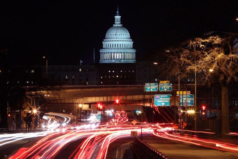 USA VALITSUSSEISAKU 3. PÄEV: pandakaamera töötab, kontorid mitte