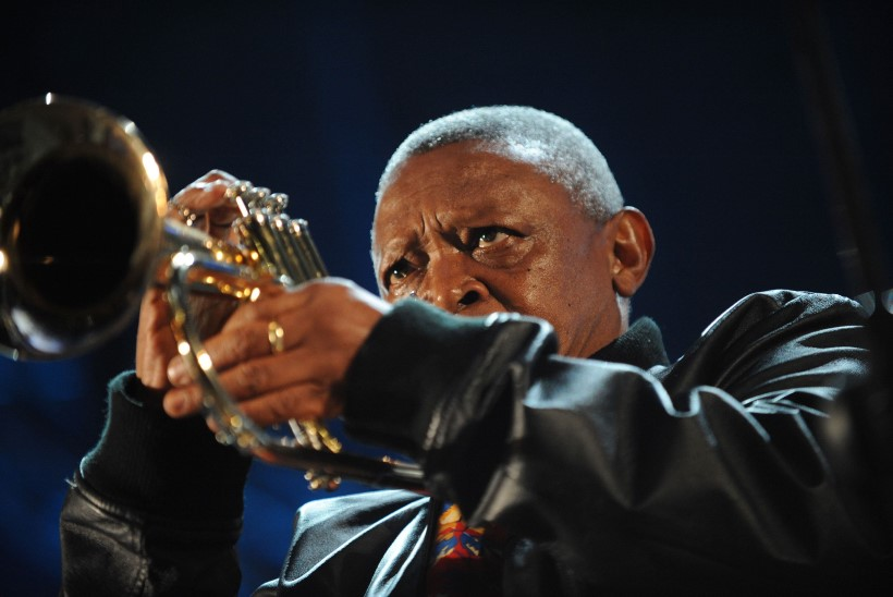 Suri trompetilegend Hugh Masekela
