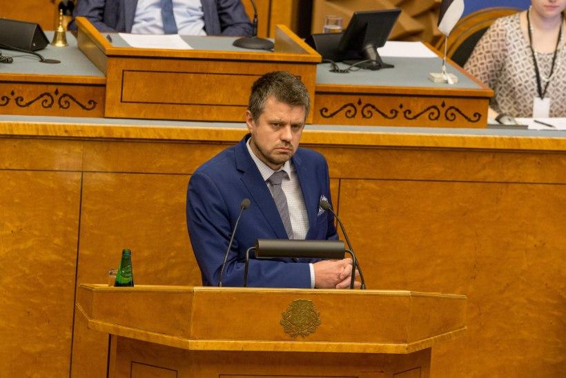 Umbusaldushääletus kukkus läbi: Urmas Reinsalu jätkab justiitsministrina