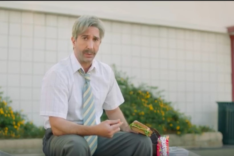 """MIDA TA SUITSETANUD ON? Telesarja """"Sõbrad"""" staari ei tunne uutes reklaamiklippides äragi!"""