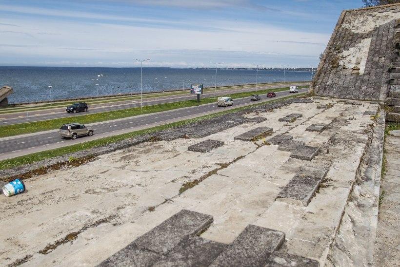 Tallinn kulutas Maarjamäe memoriaali turvalisusele 1200 eurot
