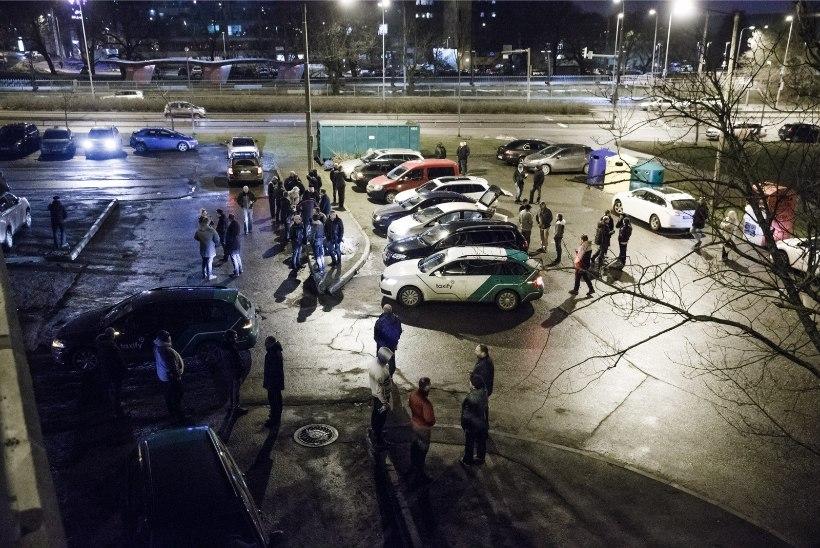 FOTOD JA VIDEO | Taxify juhid kogunesid meeleavaldusele