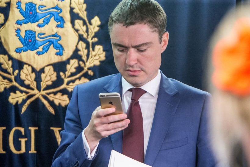 """ENDINE NÕUNIK: """"Taavi Rõivas suhtles ainult oma telefoniga."""""""