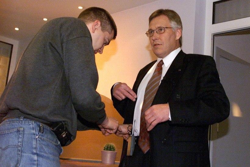 Urmas Oti pussitamise ööl valves olnud politseinik: telestaari päästis halvimast tema Moskvas elamise kogemus